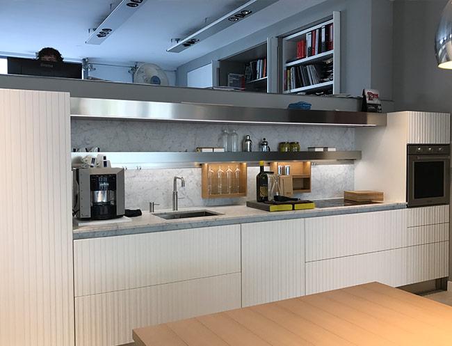 lapis kitchen countertops showroom arclinea amsterdam by vincent lamet